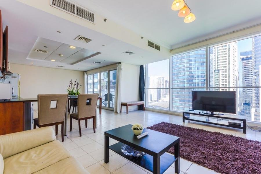 Best Spacious 1 Bedroom Apartment In Jlt Lake View Myrent With Pictures