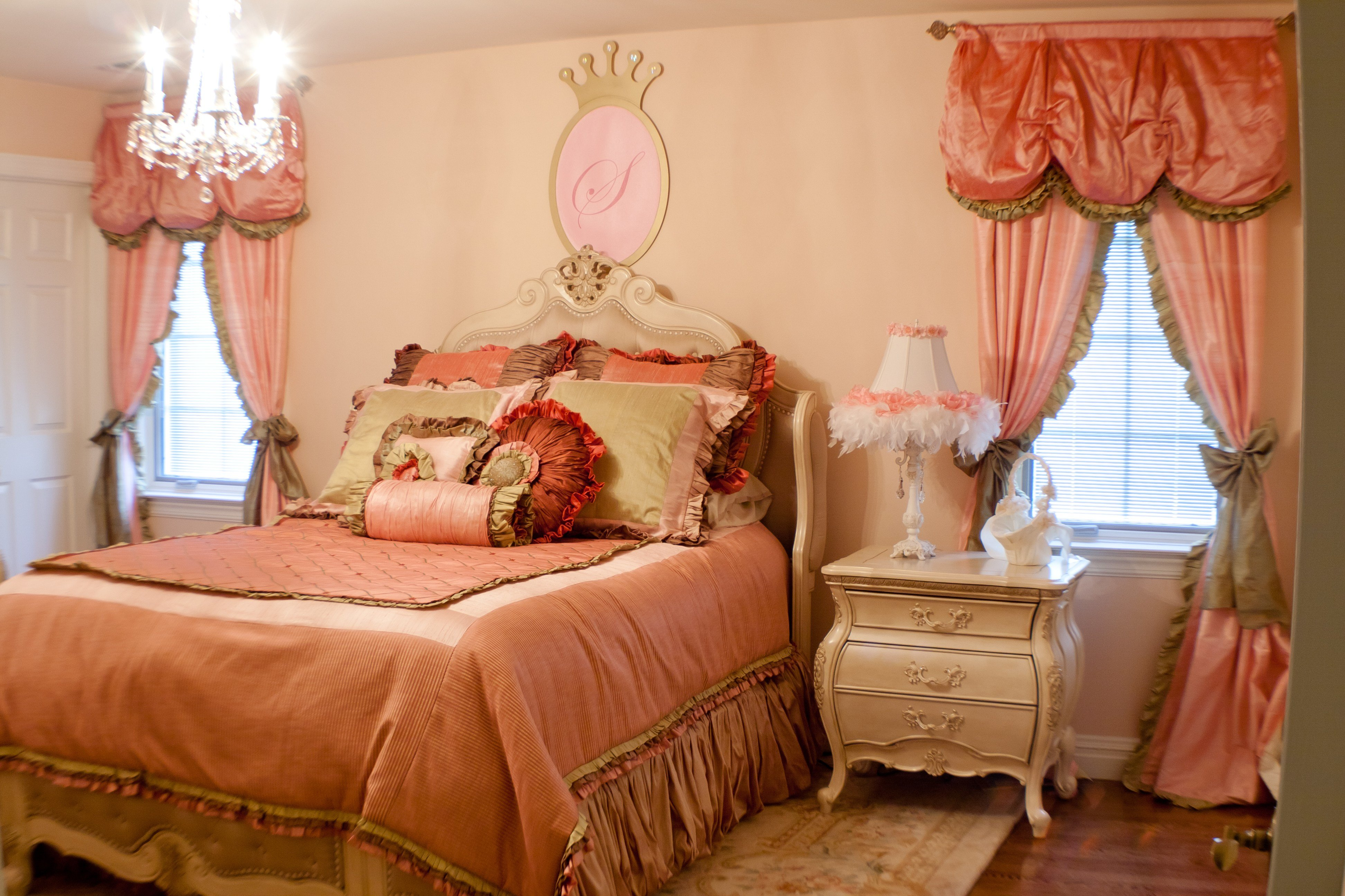 Best Pink Princess Girl S Room Celebrity Kids Project Nursery With Pictures