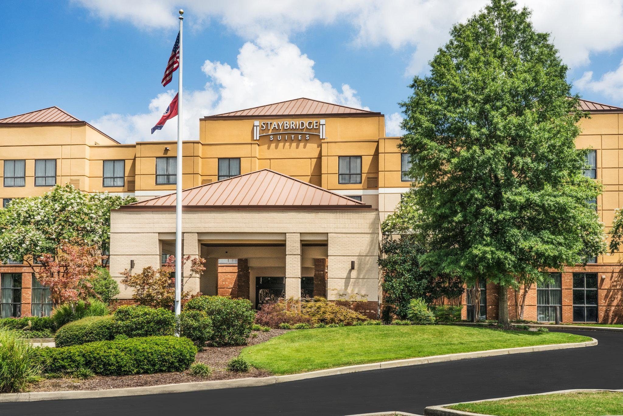 Best Price On Staybridge Suites Memphis Poplar Ave East In With Pictures