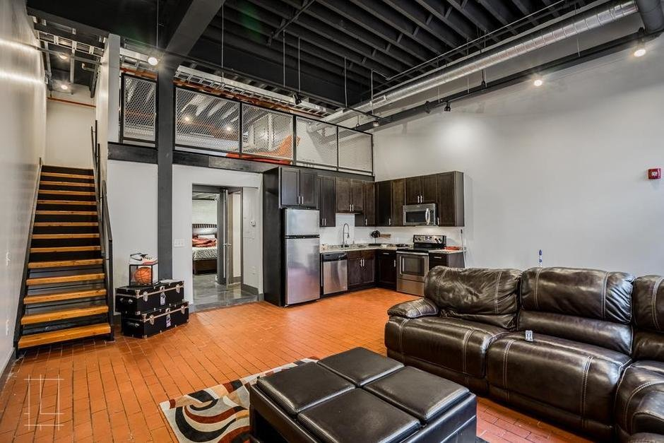 Best Wonder Bread Lofts 2 Bedroom Industrial Loft Unit 105 Qr This Place With Pictures