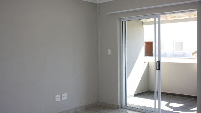 Best 2 Bedroom Apartment To Rent In Klein Drakenstein Paarl With Pictures