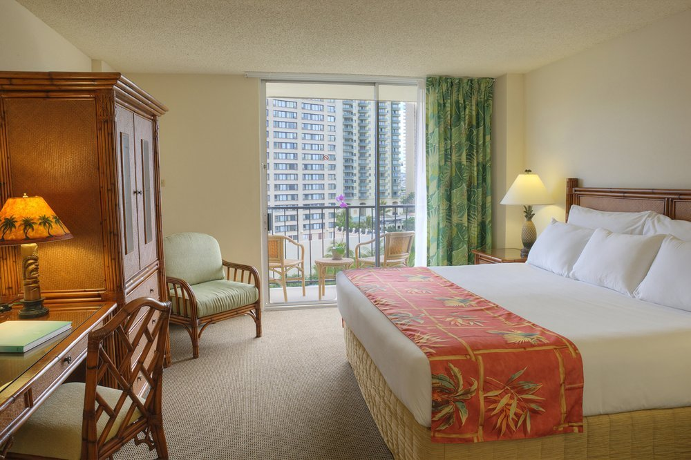 Best Luana Waikiki Hotel And Suites 2 Bedroom 2 Bath Suite With Pictures