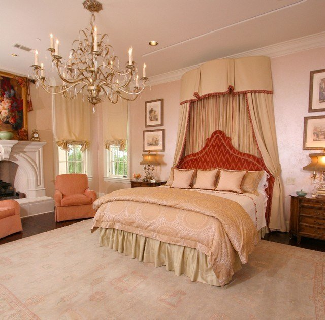 Best Universal Beauty Master Bedroom Traditional Bedroom With Pictures