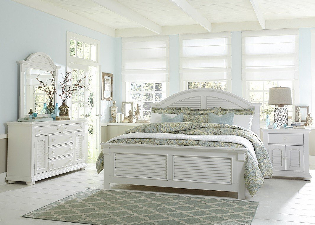 Best White Bed Coastal Look With Pictures