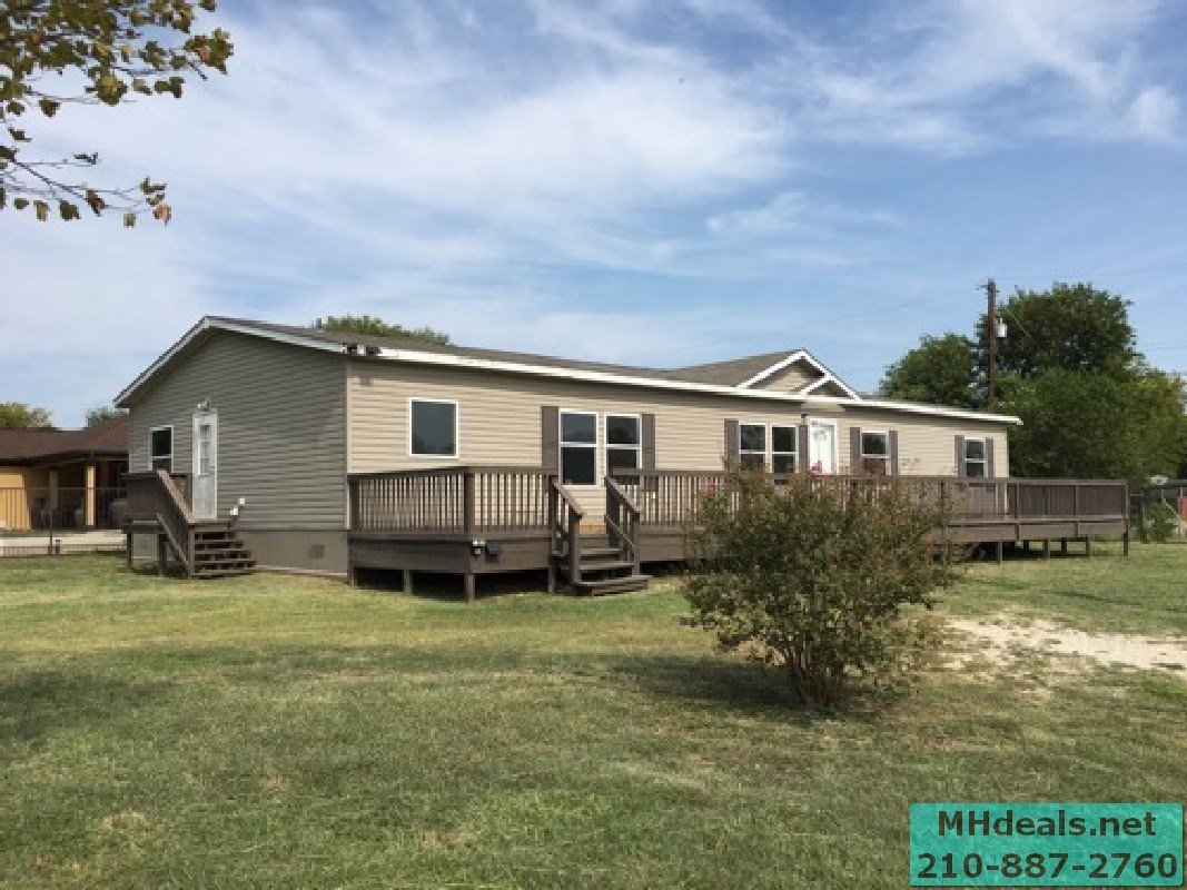 Best Savannah 32X76 Large Double Wide Pics And Floor Plan With Pictures