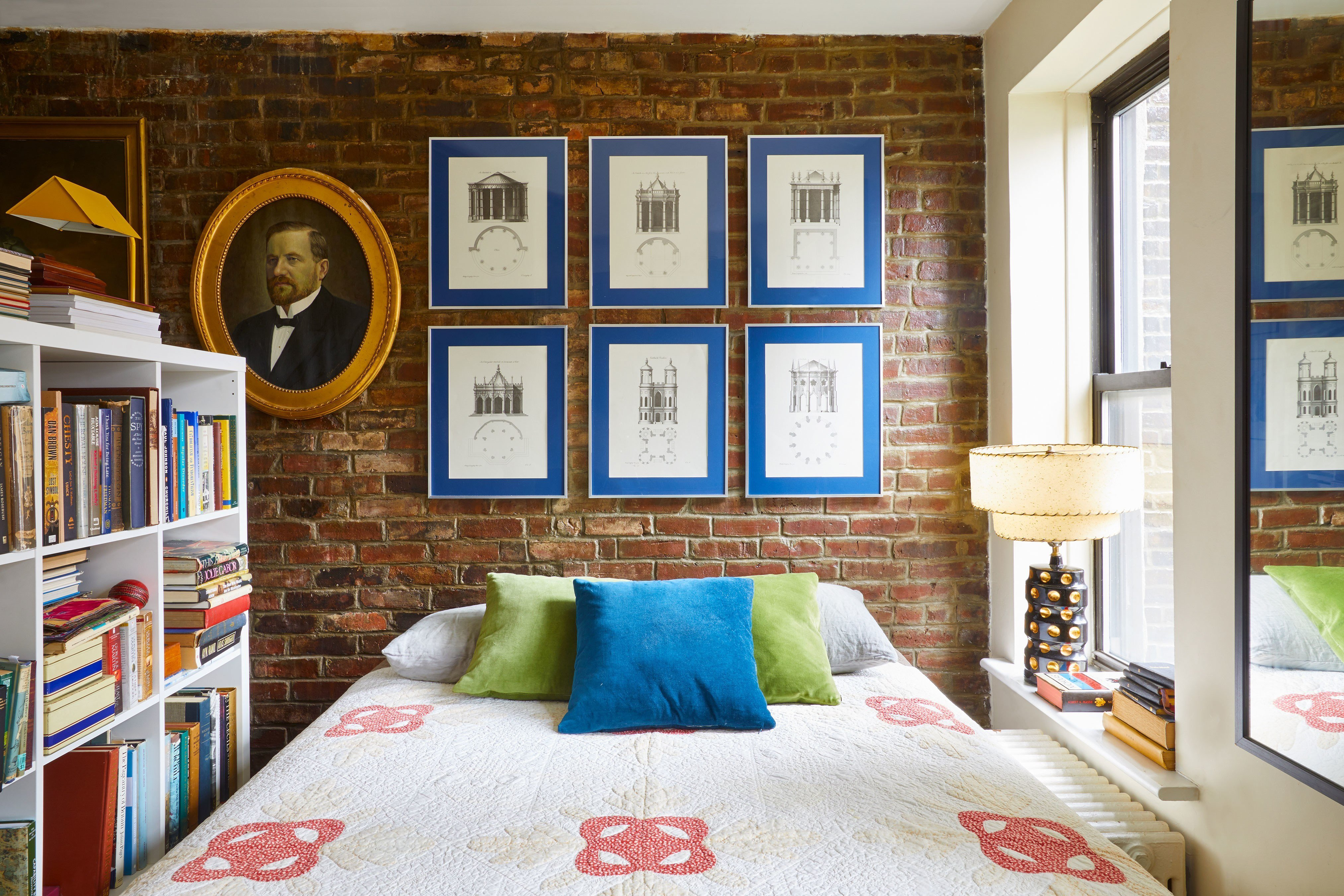 Best How To Decorate A Studio Apartment Tips For Studio Living With Pictures