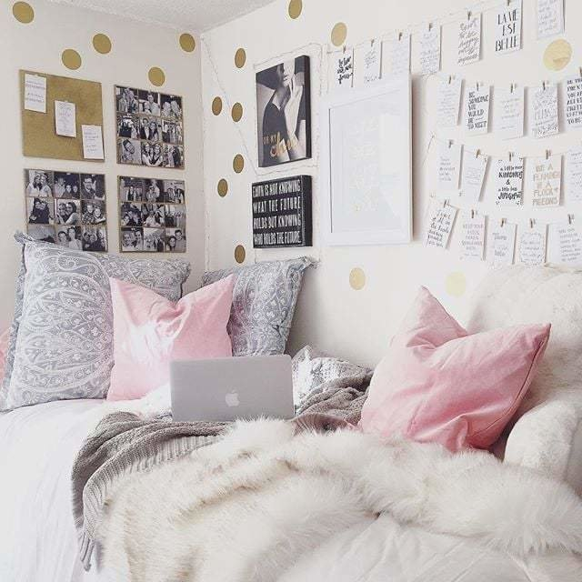 Best Real Girl Sitting Area 18 Year Old Kylie Jenner Lives A With Pictures
