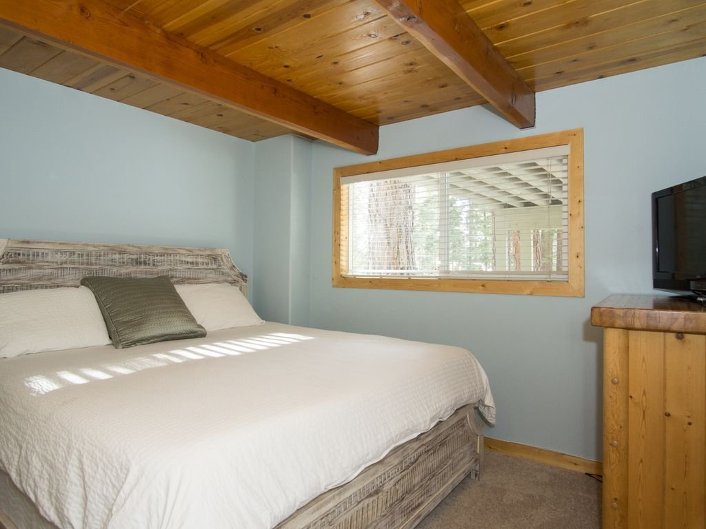 Best 5 Bedroom Renovated Cabin With Game Room Sauna Hot Tub 1 With Pictures
