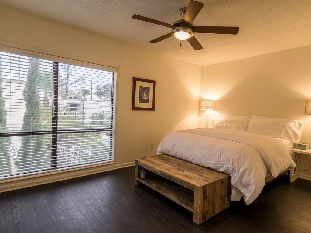 Best North Austin Two Bedroom Suite Brentwood With Pictures