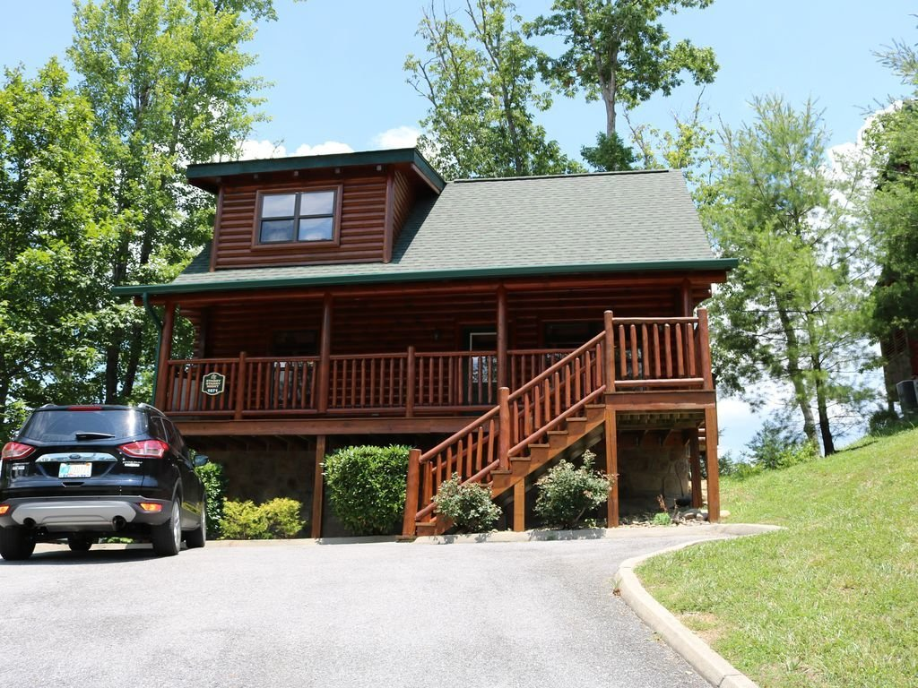 Best Two Bedroom Two Bathroom Cabin Near Pigeon Forge Pet Friendly Great Rates Pigeon Forge Sevier With Pictures