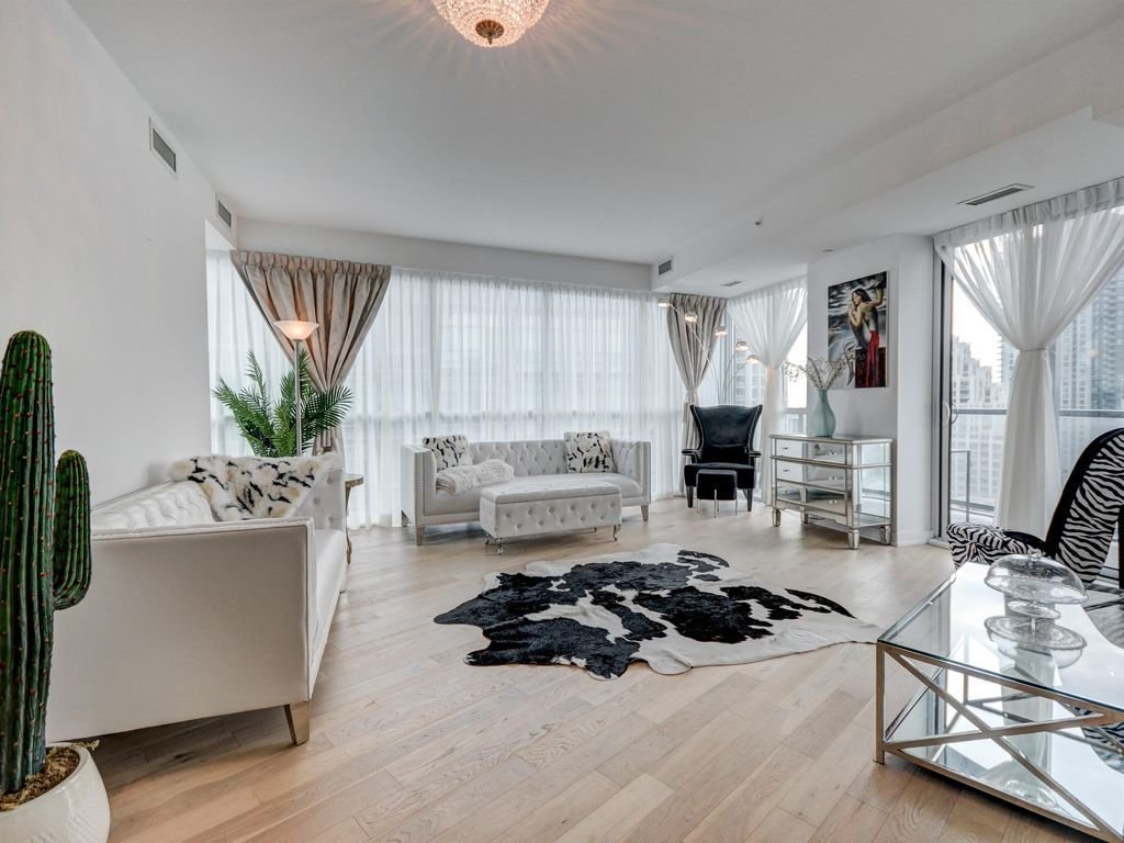Best Stunning 3 Bedroom Condo Downtown Toronto Wellington Place With Pictures