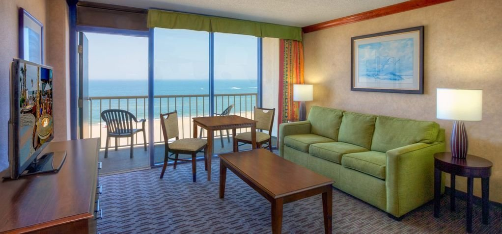 Best Oceanfront Condo On Virginia Beach 2 Bedroom Lock Off Sept 1 8Th Only Northeast Virginia Beach With Pictures
