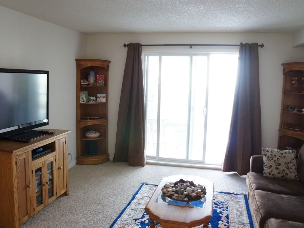 Best Spacious One Bedroom Condo In Citadel Calgary Northwest With Pictures