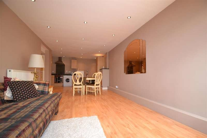 Best 2 Bedroom Flat To Rent Woking Close London Sw15 5Jz With Pictures