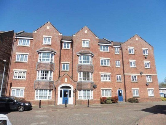 Best 1 Bedroom Flat For Sale Bramley Court Luton Road With Pictures