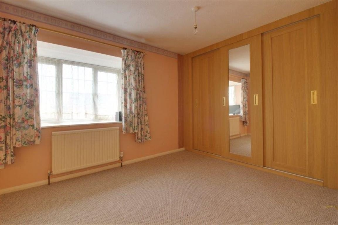 Best 2 Bedroom House To Rent Beeston Drive Cheshunt Waltham With Pictures