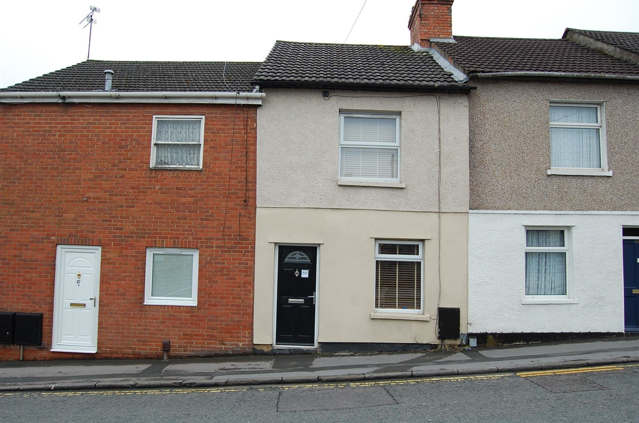 Best 2 Bedroom Terraced House For Sale Eastcott Hill Swindon With Pictures