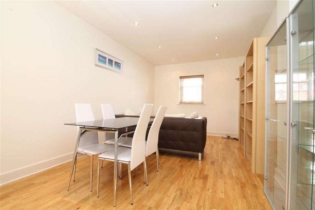 Best 2 Bedroom Flat To Rent Trafalgar Road Greenwich London Se Se10 9Ug With Pictures