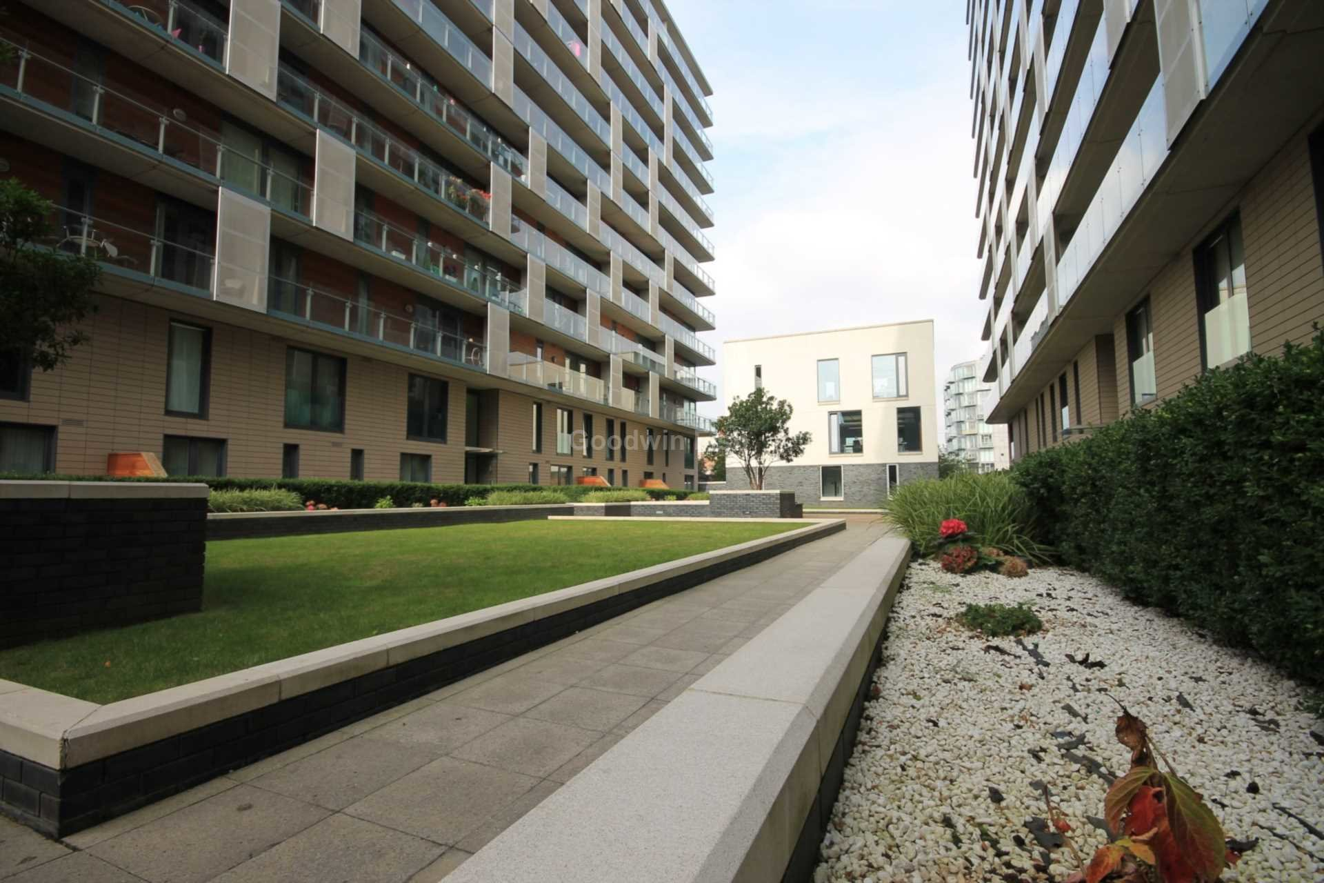 Best 2 Bedroom Apartment To Rent Block Spectrum Blackfriars With Pictures