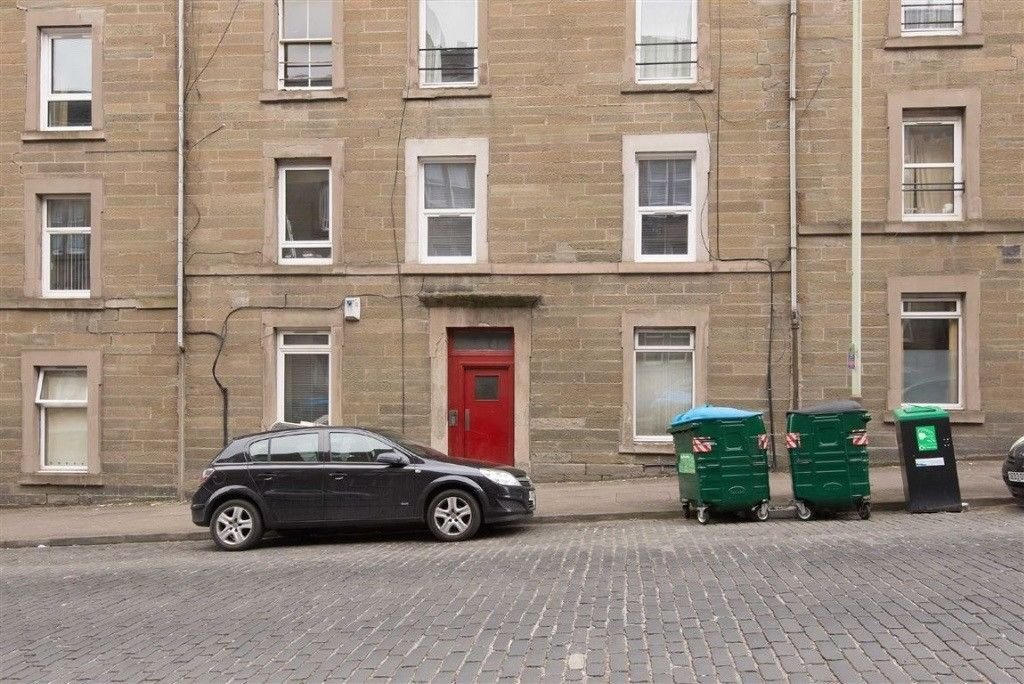 Best 2 Bedroom Flat To Rent Rosefield Street Dundee Dd1 5Pr With Pictures