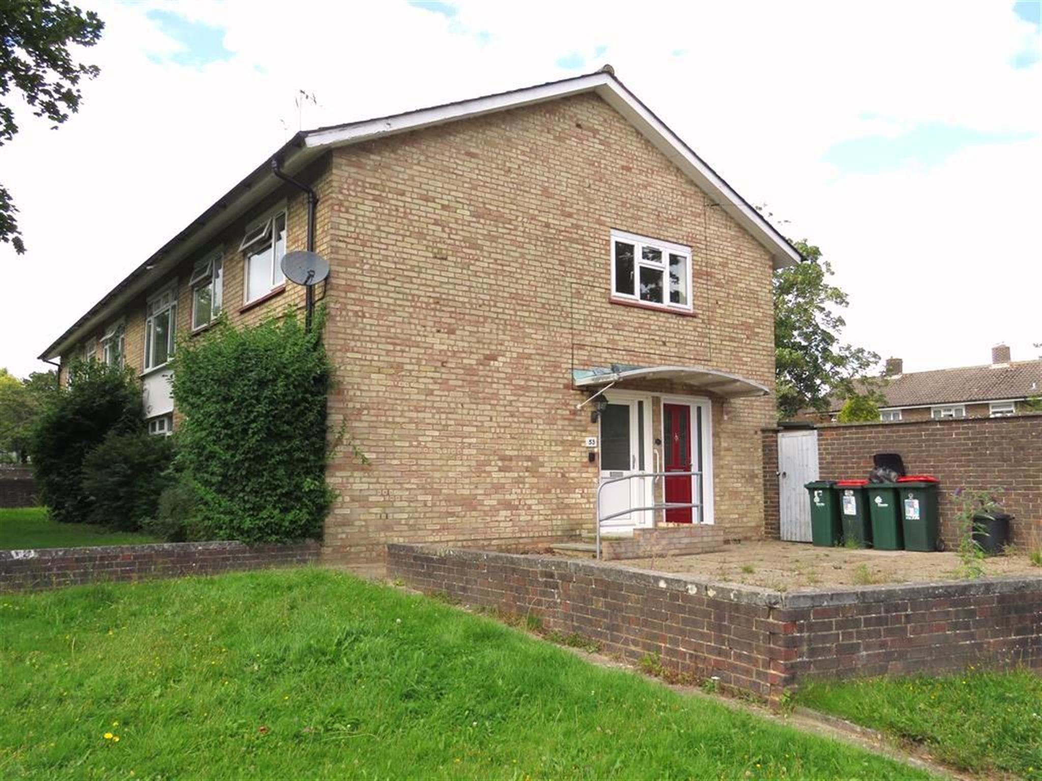 Best 2 Bedroom House To Rent Tilgate Way Crawley Rh10 5Bn With Pictures