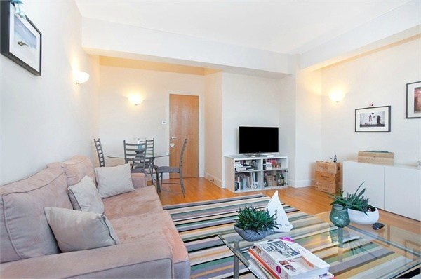 Best 1 Bedroom Flat To Rent Tamarind Court Gainsford Street With Pictures