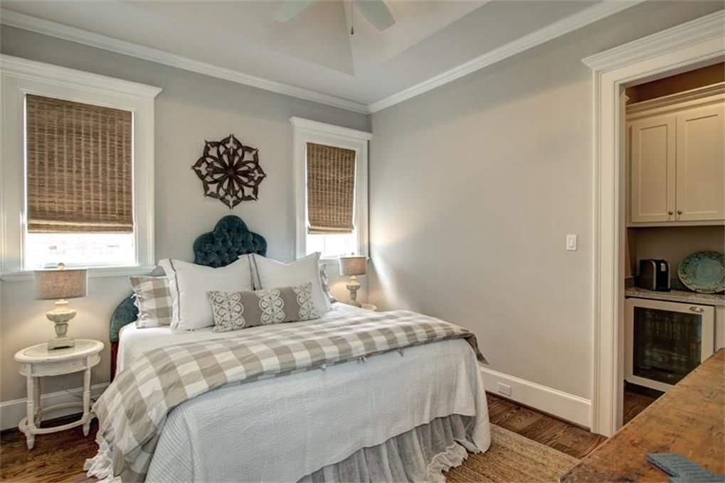 Best Country Guest Bedroom In Spring Tx Zillow Digs Zillow With Pictures