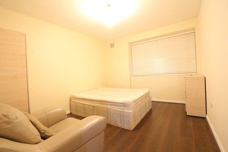 Best 1 Bedroom Flat In Brixton Sw2 Some Bills Inc Room To With Pictures