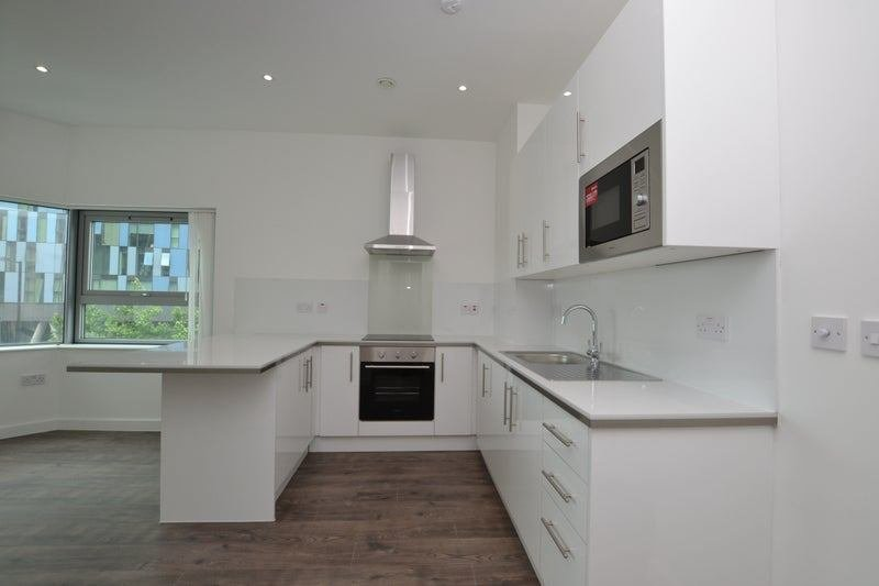 Best Brand New 1 Bedroom Central Croydon Room To Rent From With Pictures
