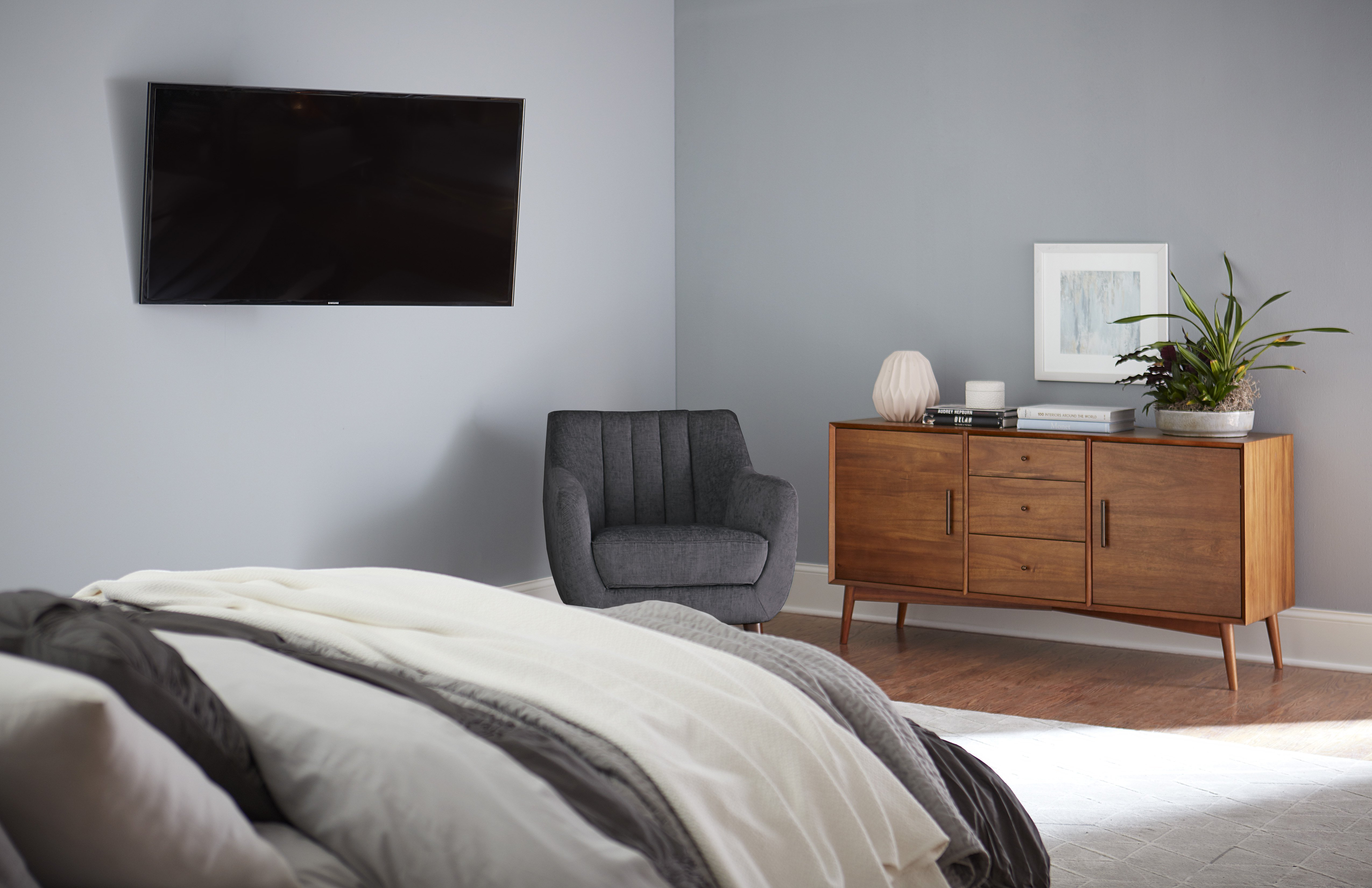 Best 4 Things To Consider When You Put The Tv In The Bedroom With Pictures