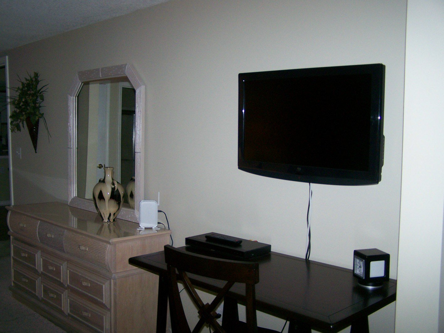 Best Master Bedroom Flat Screen Tv Ruby Snyder Real Estate With Pictures