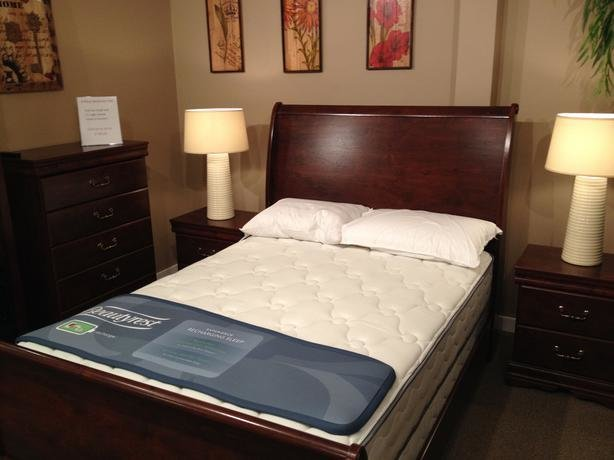 Best 4 Pce Full Size Bedroom Suite Victoria City Victoria With Pictures
