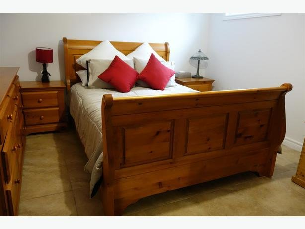 Best Solid Wood Queen Bedroom Set For Sale Gatineau Sector With Pictures