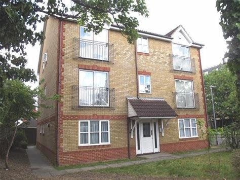 Best 2 Bedroom Flat To Rent Dairyglenn House Crossbrook With Pictures