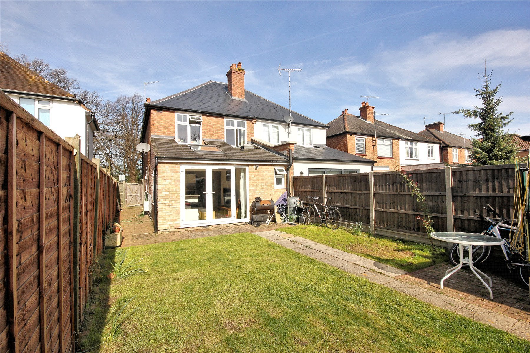 Best 3 Bedroom Semi Detached House For Sale In Woking With Pictures
