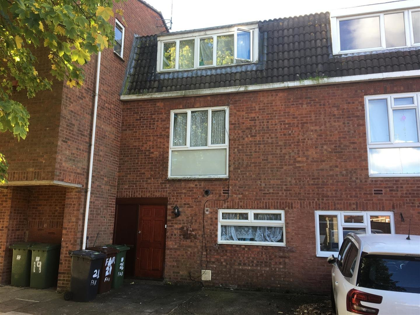 Best 3 Bedroom Terraced House For Sale In Borehamwood With Pictures