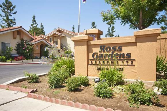 Best Ross Gardens Apt Apartments 2533 N Marks Fresno Ca With Pictures