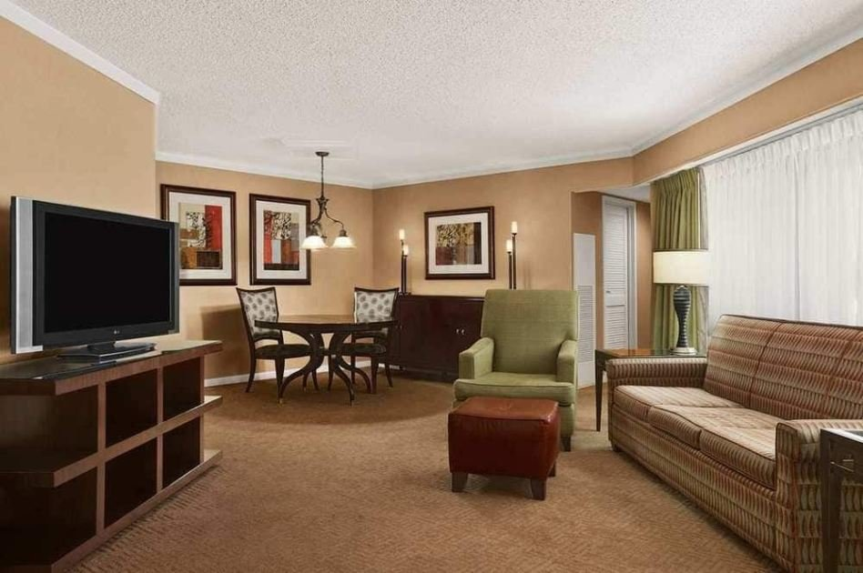 Best 2 Bedroom 2 Bathroom Presidential Suite At Embassy Suites With Pictures