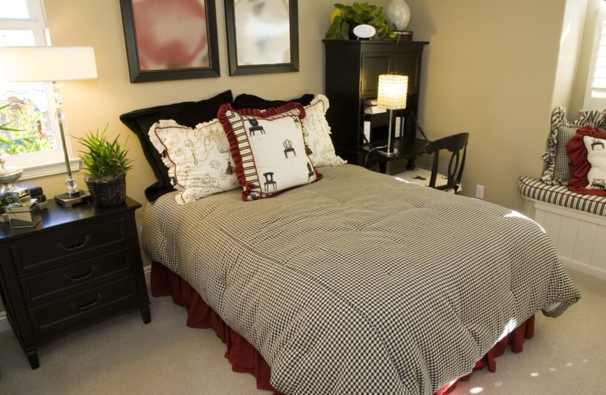 Best 28 Fabulous Bedrooms Without Headboards Great Photos With Pictures
