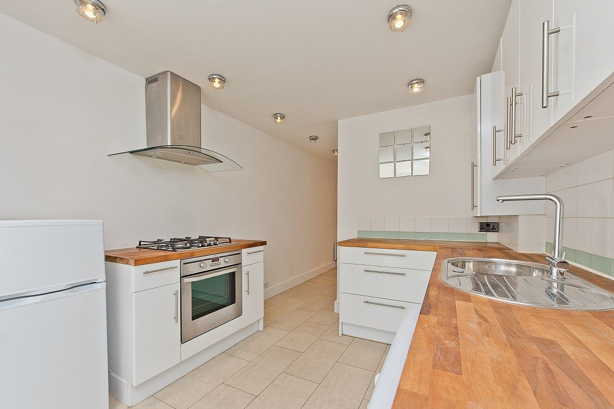 Best 2 Bedroom Period Flat To Rent In Central Wimbledon The With Pictures