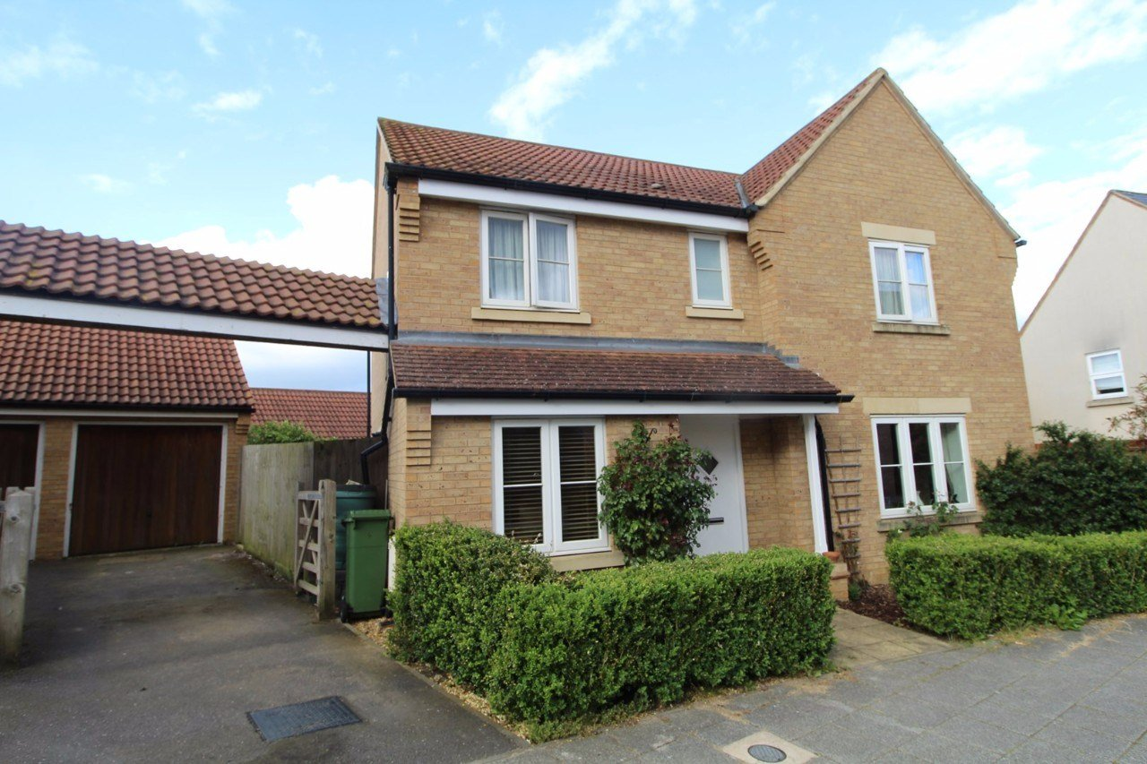 Best 4 Bedroom Detached House For Rent In Oxley Park Milton With Pictures