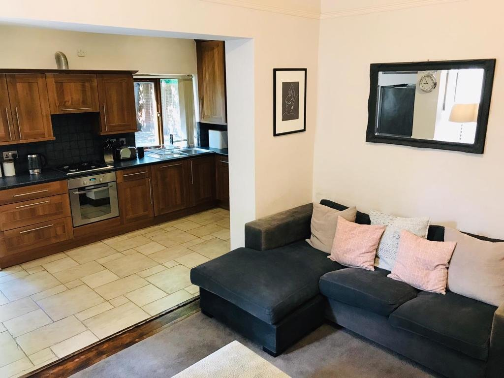 Best One Bedroom Flat To Let In West Wimbledon The Online With Pictures