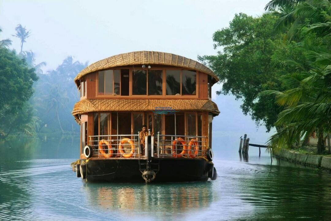 Best 4 Bedroom Delux Houseboat With Upperdeck Alleppey With Pictures