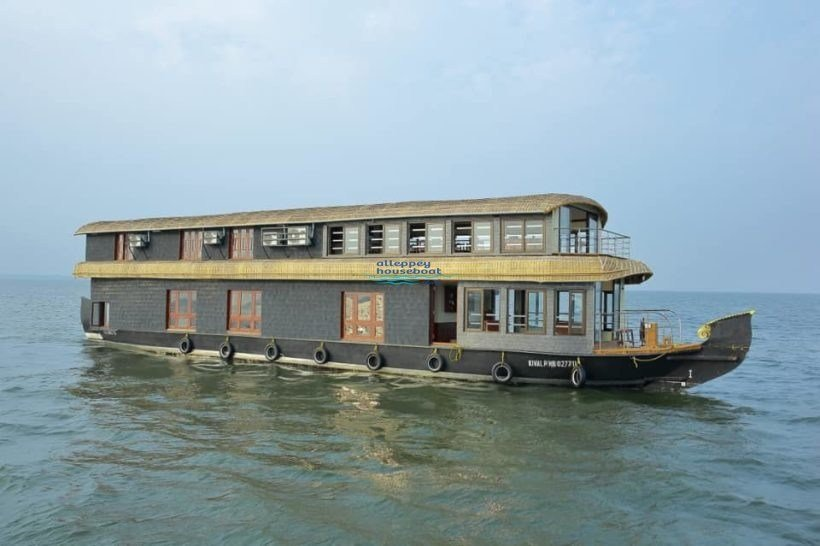 Best 5 Bedroom Super Deluxe Houseboat With Upperdeck Alleppey Houseboat Club With Pictures
