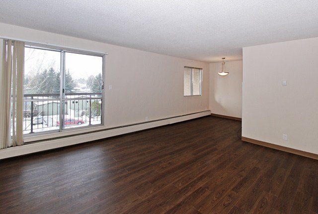 Best 2 Bedroom Apartments For Rent Calgary At Holly Acres With Pictures