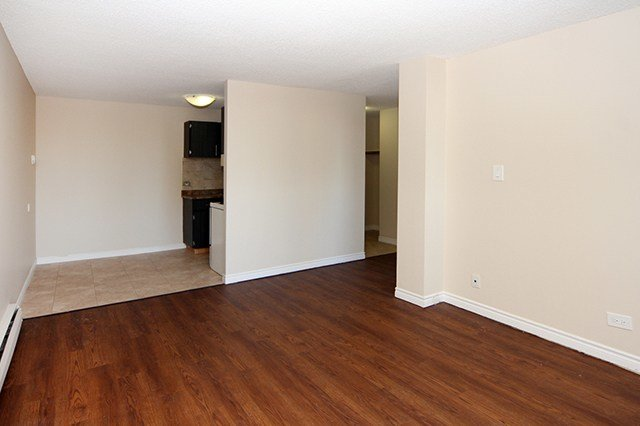 Best 3 Bedroom Apartments For Rent Calgary At Pentland Place With Pictures