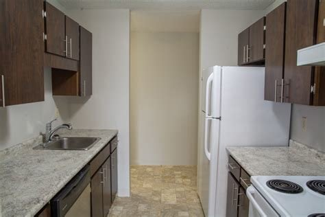 Best 2 Bedroom Apartments For Rent Regina At Southwood Green With Pictures