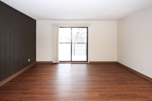 Best 2 Bedroom Apartments For Rent Calgary At Queens Park With Pictures