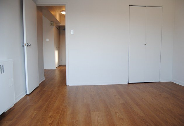 Best 1 Bedroom Apartments For Rent Montreal Downtown At Terrasses Embassy Renterspages Com With Pictures
