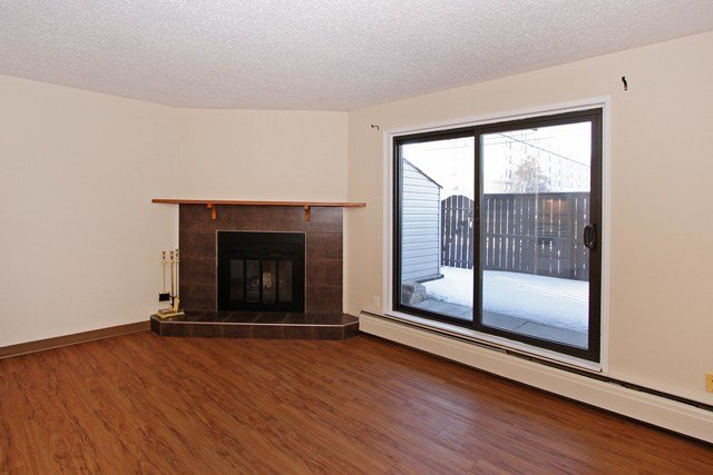 Best 2 Bedroom Apartments For Rent Calgary At Bonaventure With Pictures